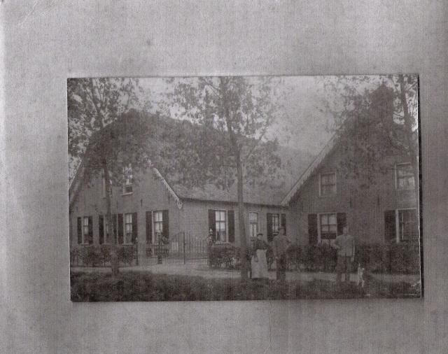 Oude boerderij + bakhuis